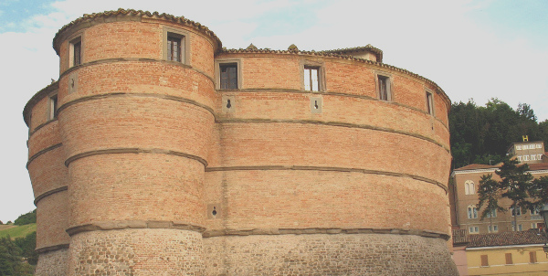 rocca ubaldinesca sassocorvaro1 Rocca Ubaldinesca   <br/> Sassocorvaro agriturismiurbino