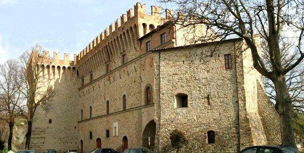 castello dei conti oliva piandimeleto Castello dei Conti Oliva   <br/> Piandimeleto agriturismiurbino